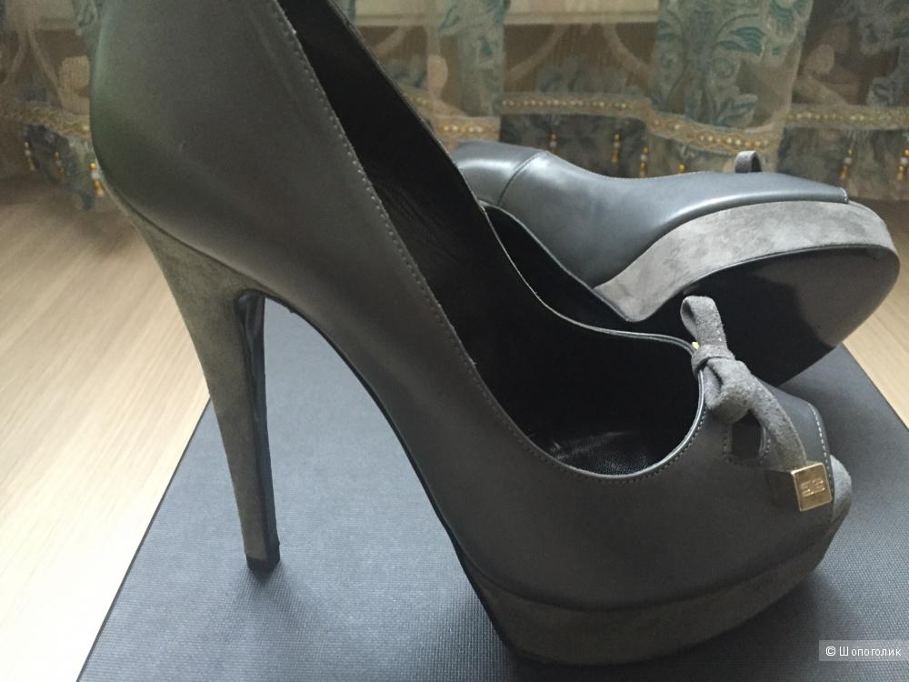 Новые туфли Elisabeta Franchi 38 размер.