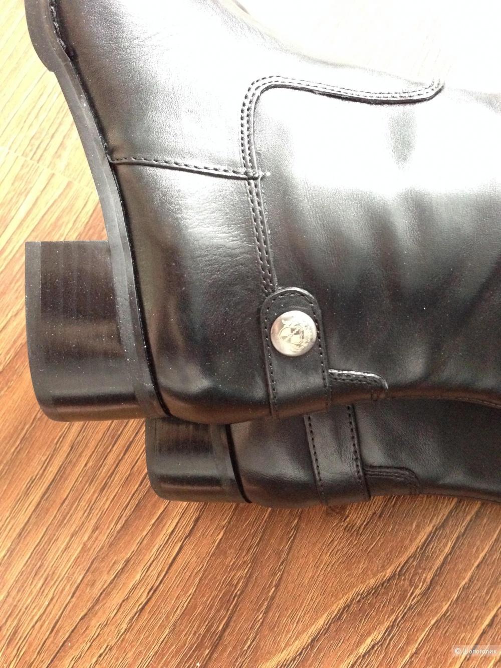шикарные сапоги на низком ходу с гербом Franco Sarto р.36-36.5 Новые