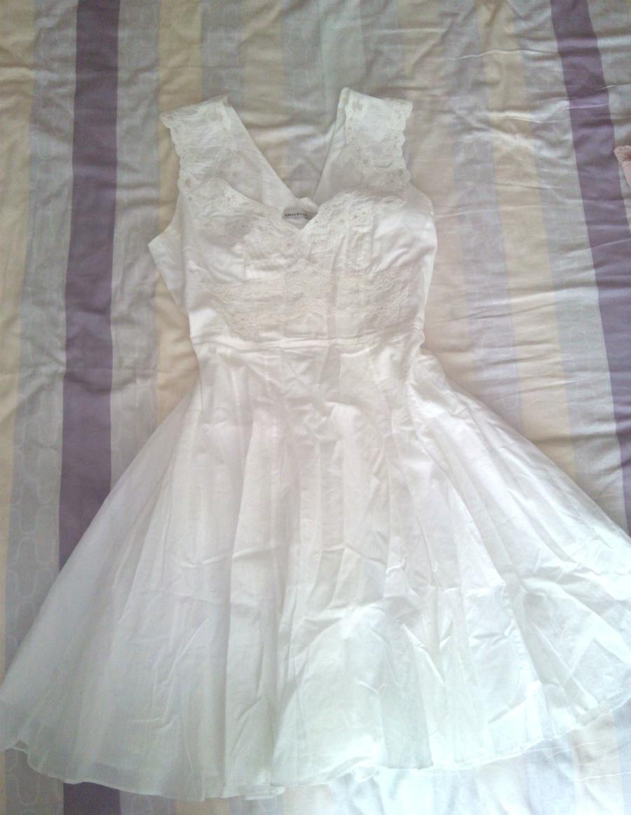 Платье белое с кружевом Karen Millen
