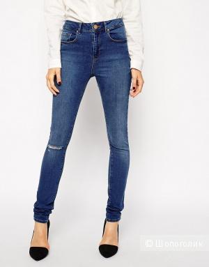 Выбеленные джинсы с рваной коленкой ASOS Ridley Mount Eden
