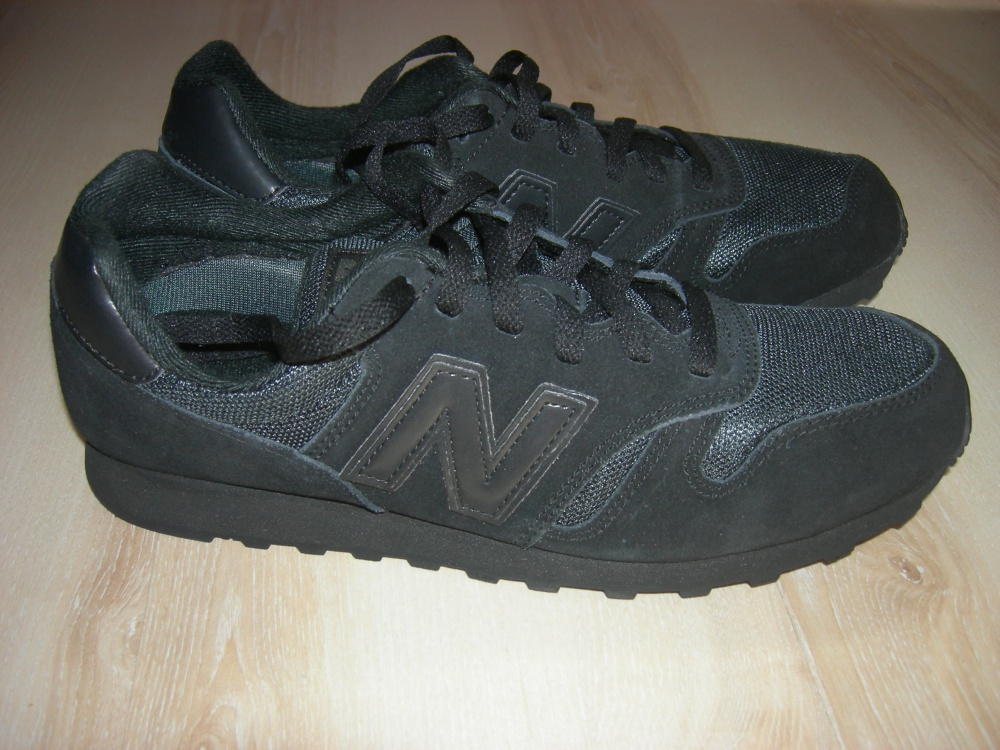 Кроссовки New Balance 373 Suede Trainers