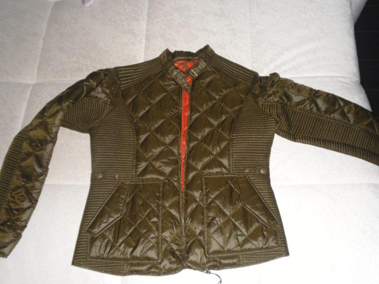 Крутая куртка итальянской фирмы Aeronautica Militare из коллекции 2016 года. Размер 44-46