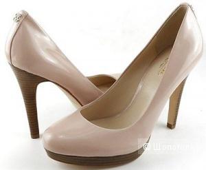 Новые туфли Coach 7.5 (европейский 37,5 - 38)