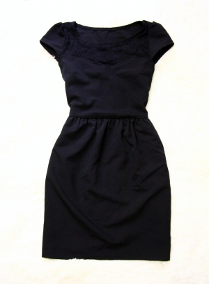 Маленькое черное платье 42 размер