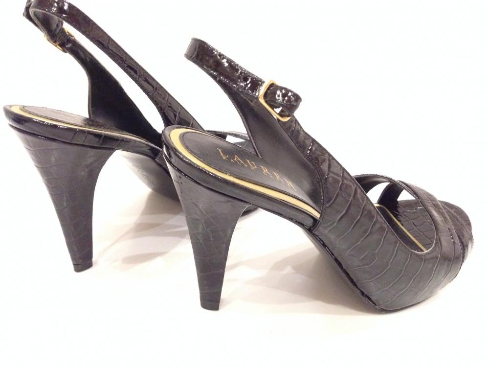 Шикарные босоножки от Ralph Lauren из кожи с тиснением под крокодила р.38 Новые