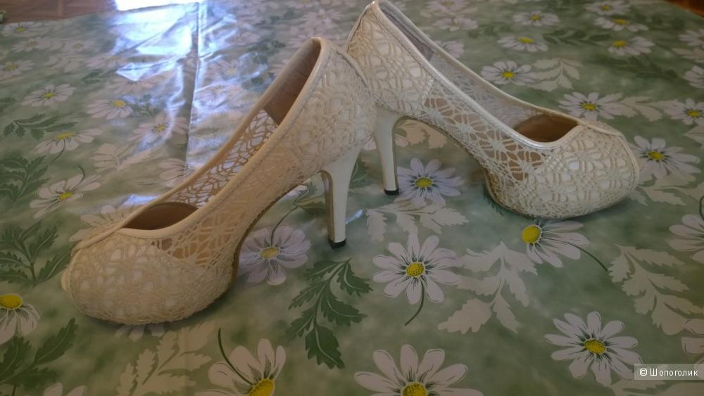 Кружевные свадебные туфли