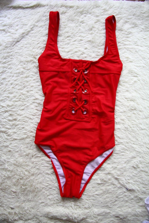Новые слитные купальники со шнуровкой белый(42-44) и красный (44-46)