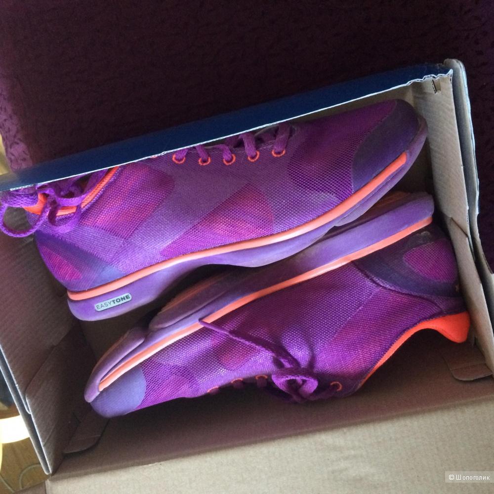Продам новые кроссовки reebok easytone