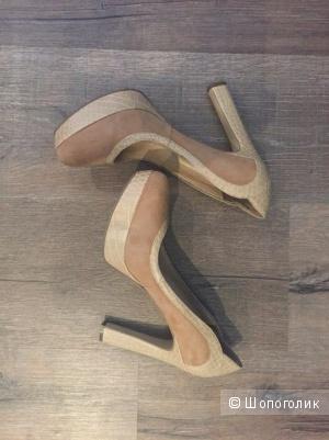 Замшевые туфли Aundrey Brooke