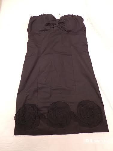 Маленькое черное платье на плотном лифе, новое, М