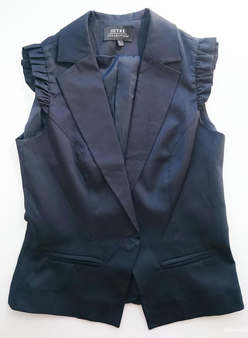 Классическая жилетка с плечиками-рюшами