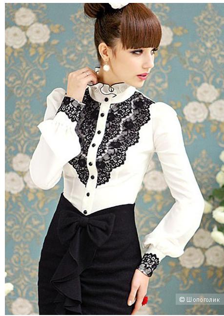 Элегантная блузка с кружевным украшением