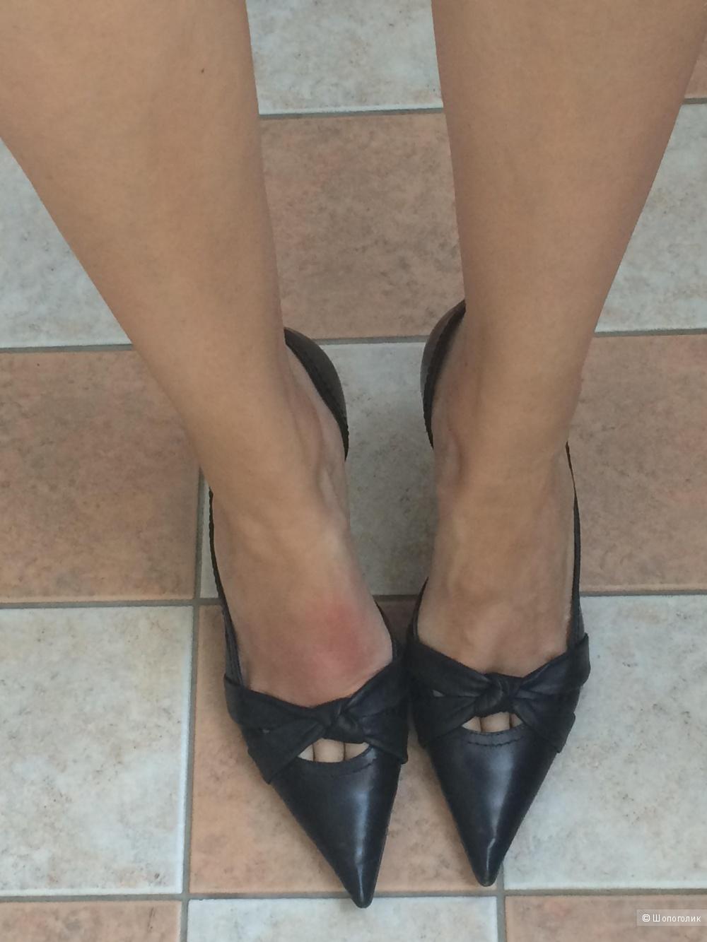 Продам кожаные туфли Carlo Pazolini