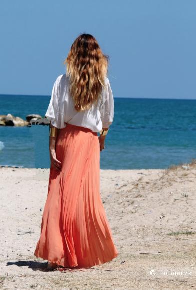 Плиссированная длинная юбка Zara.