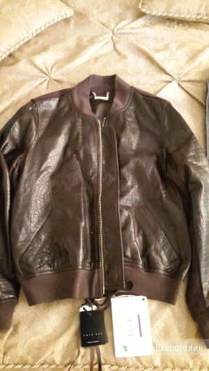 Пристрою кожаную куртку Twin-Set Simona Barbieri р.М по цене покупки 3570 рублей.