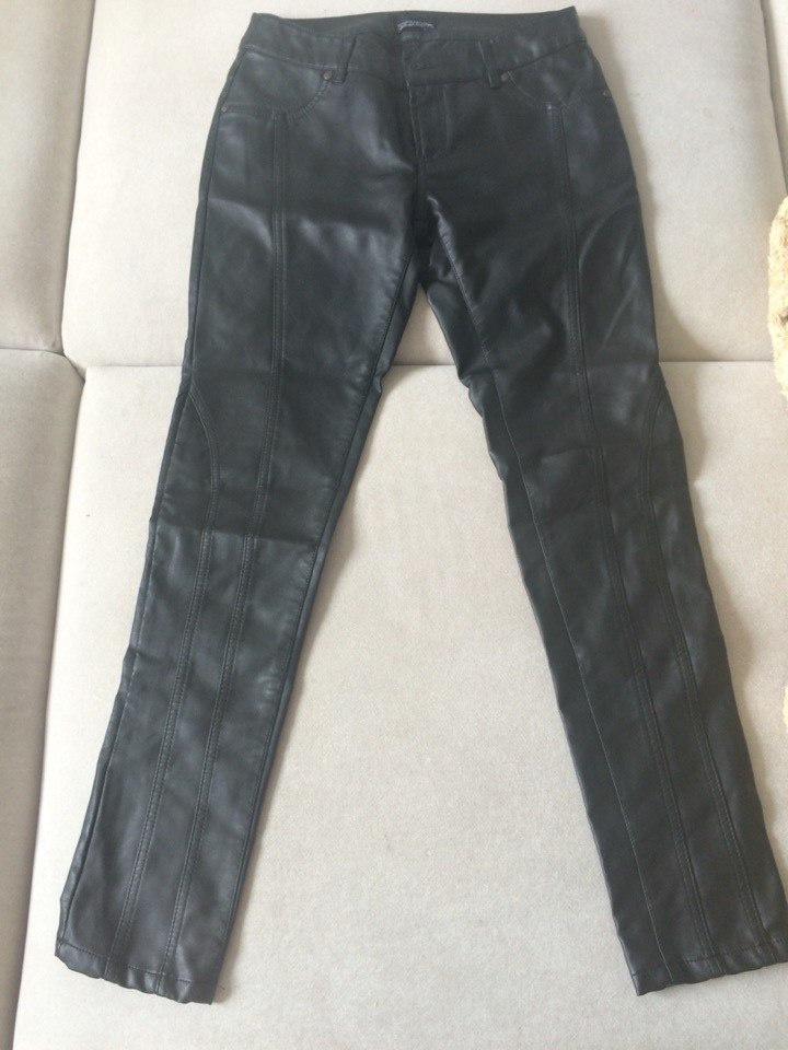 Штаны из искусственной кожи Topshop