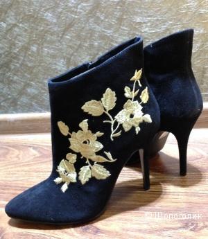 Замшевые черные ботильоны с золотыми розами от J.RENEE р.38 Новые.Оригинал
