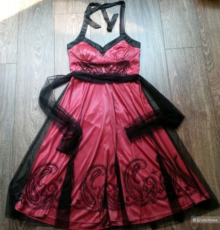 Практически новое платье