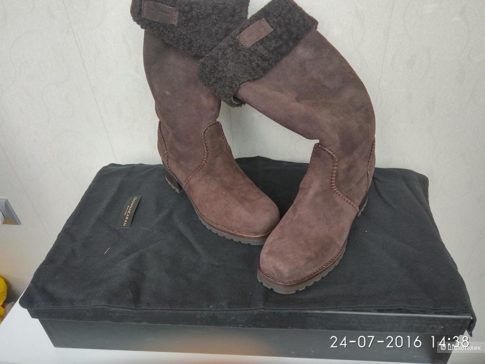 Пристрою новые сапоги Donna Karan