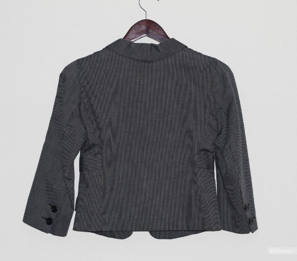 Новый женский пиджак NOLITA размер 42IT