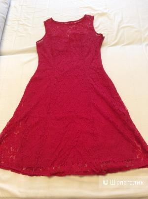 Яркое кружевное платье на подкладке р.46