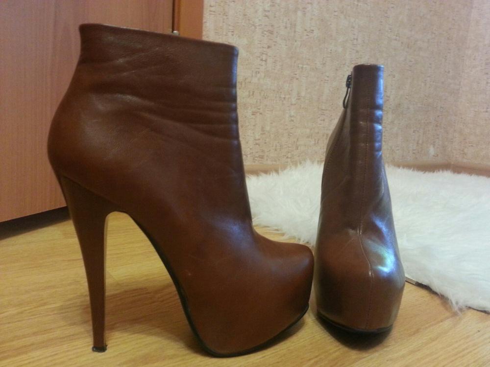 Ботильоны новые безумно красивые на ноге / Продажа по причине ошибки с размером.