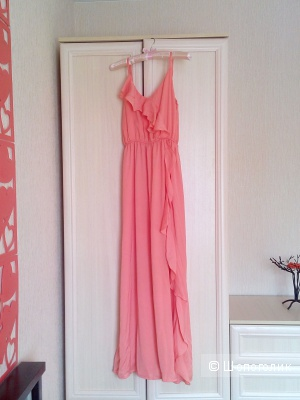 Платье с рюшем Jarlo, размер S