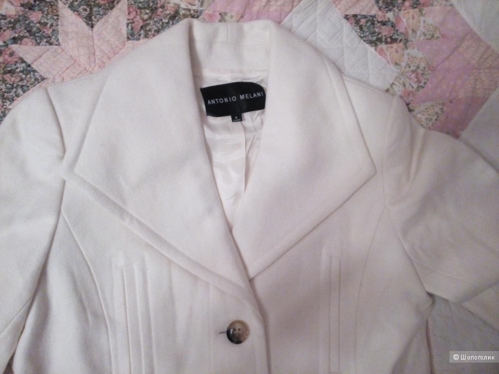 Пальто белое брэнд Antonio Melani