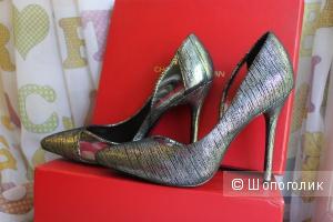 Кожаные туфли Charles Jourdan