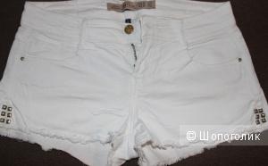 Белые шортики Zara