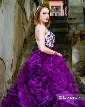 Продам платье принцессы: бордо с большим шлейфом