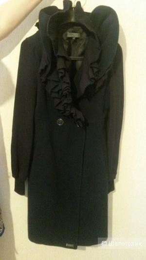 Пальто  MARY C  42- 44 размер