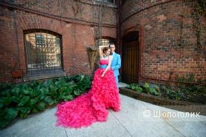 Пушистое платье цвета фуксия