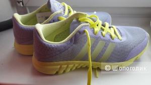 Кроссовки adidas детские(подойдет на 35 взрослый)