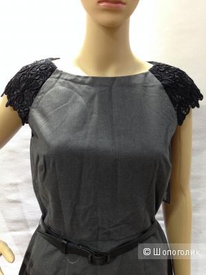 Офисное платье от TAHARI с кружевом в рукавах р.44 Новое.Ценник 148$