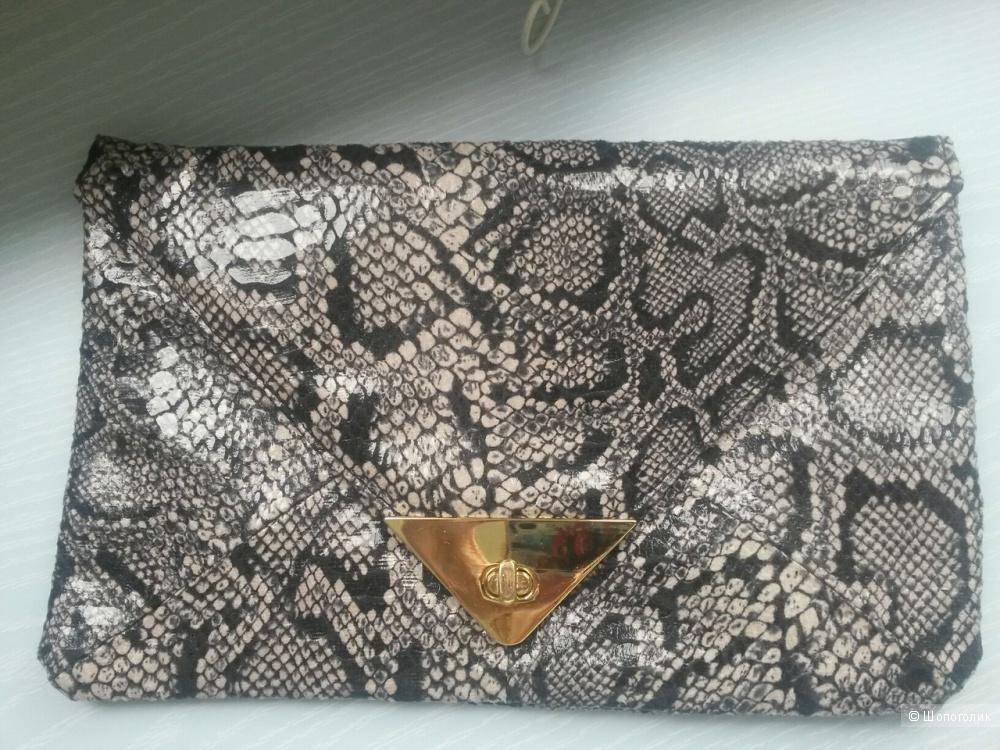 Клатч - конверт змеиной расцветки Asos