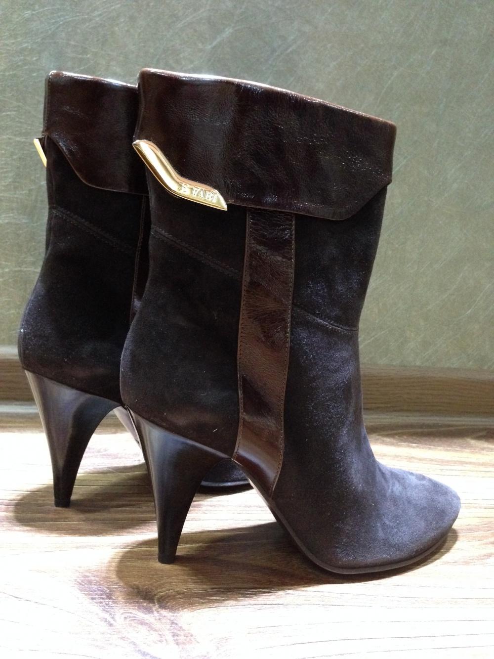 Замшевые ботиночки FABI с логотипами р.38-38.5 Новые оригинал