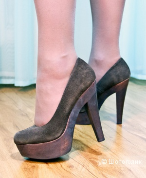 Туфли на платформе BIBI LOU  темно-коричневого цвета  .