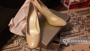 Туфли Coccinelle 36 размер