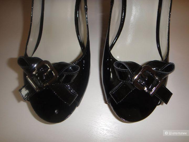 Черные лаковые лодочки с открытым носиком нат.кожа новые 38 разм.