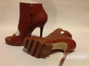 Элитные туфли-ботильоны для очень модных девушек  Camilla Skovgaard