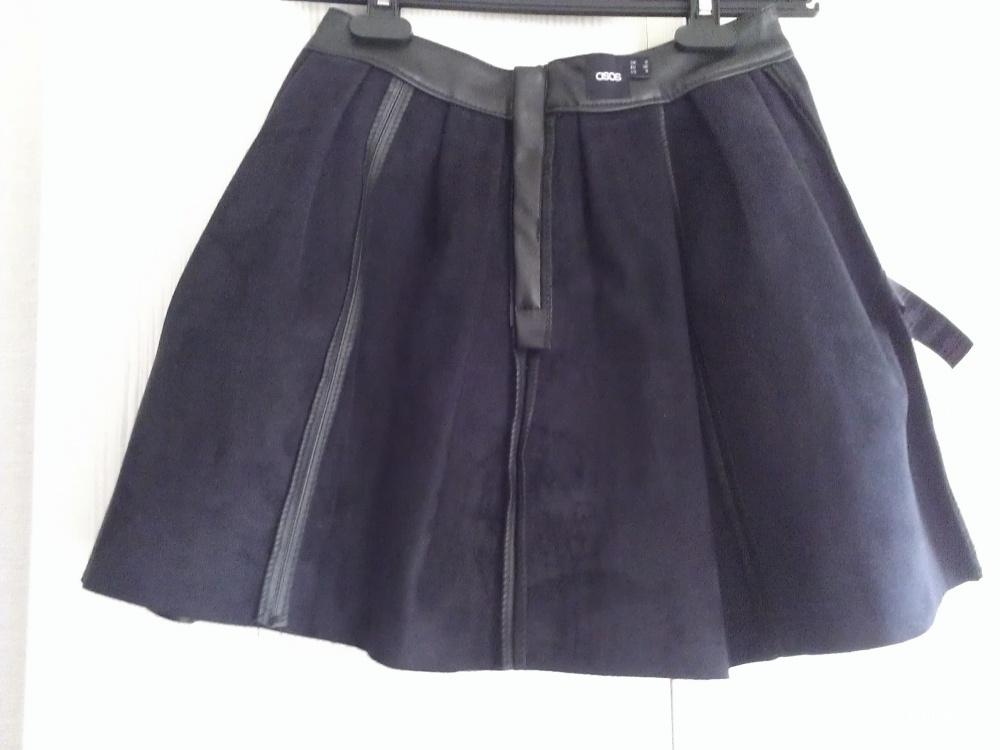 Расклешенная юбка из искусственной кожи ASOS Skater Skirt in Leather Look UK8