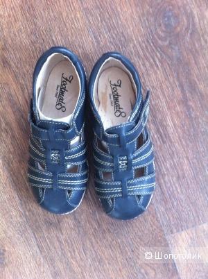 Новые сандалии Footmates