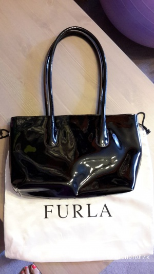Сумка Furla оригинал коричневый лак б/у несколько раз