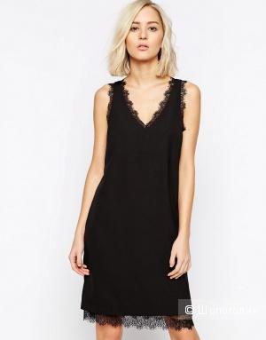 Цельнокройное платье с кружевной отделкой Selected Femme