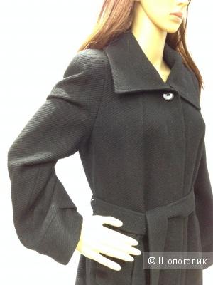 ZARINA шерстяное пальто с легким люриксом  р.44