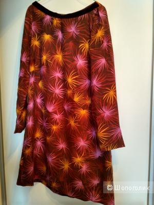 Стильное платье с длинным рукавом. Испания.