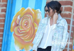 Zara оверсайз джинсовая куртка с цветочным рисунком, размер М