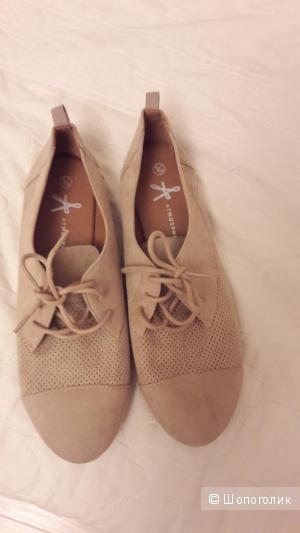 Туфли-кроссовки женские, 39