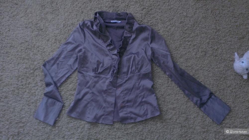 Блузка серого цвета 42 размер.